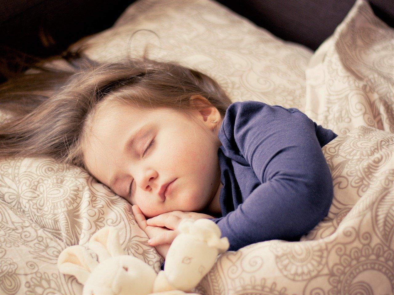 子どもが寝ない原因は〇〇!?今夜から試せる寝かせ術を徹底解説!