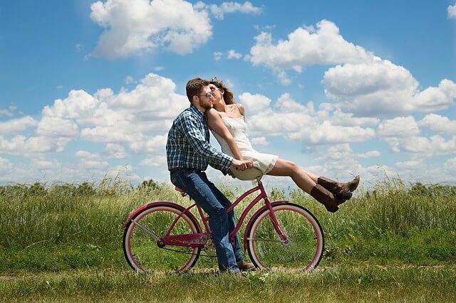 恐るべしオーガズムの美容効果 & 幸せ効果! 女性ホルモン、オキシトシンの知られざるパワー