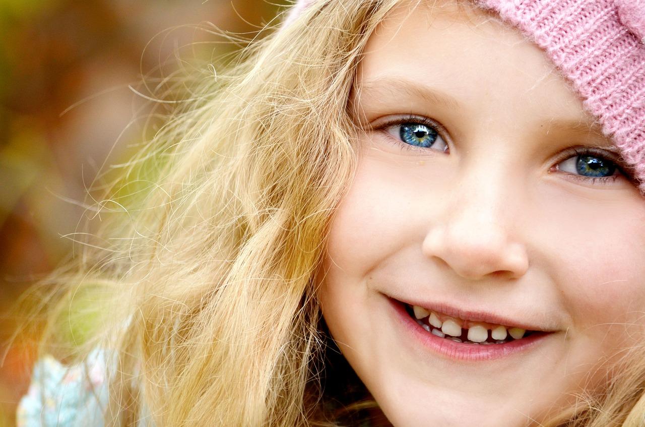 女の武器は笑顔!自然な笑顔を作るのが苦手なあなたへトレーニング法を伝授!