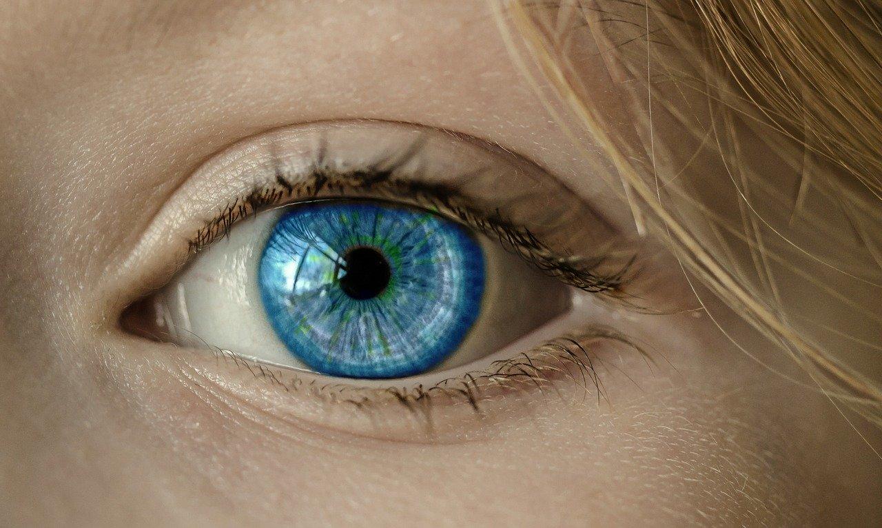 男性の目の動きには意味がある!?目線で読み解く男性心理と恋のチャンスを解説