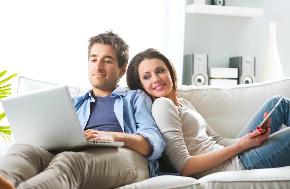カップルが同棲をスタートするのに必要な費用は60万円!?平均的な家賃は?