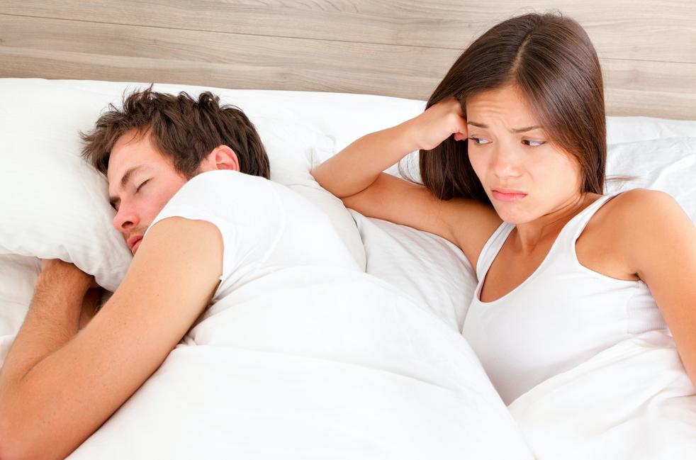 カップルでベッドに入ると寝られない!お泊りデートで安心して眠るコツを伝授!