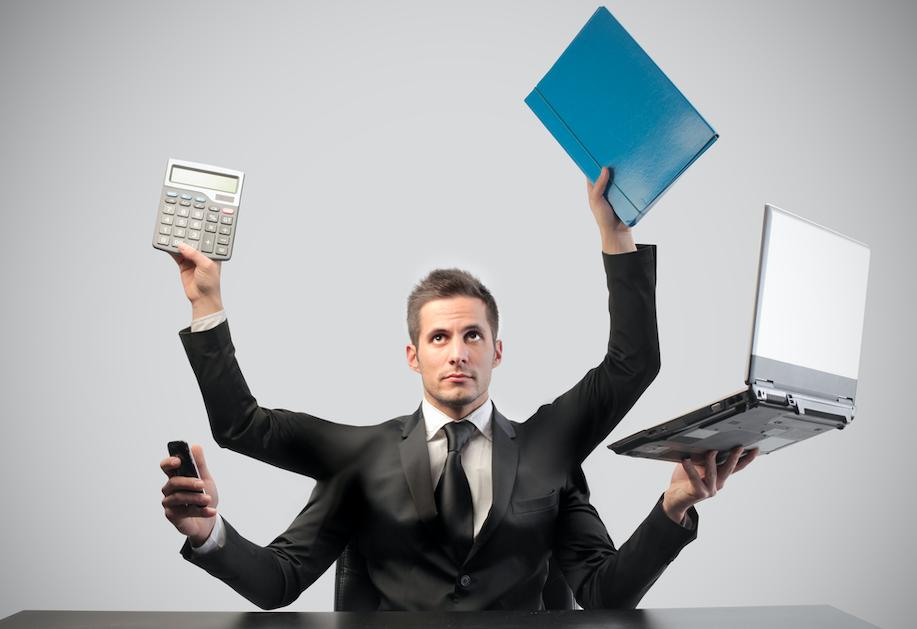 仕事が忙しい人を好きになった時の対処法!仕事人間への接し方や正しいアプローチ