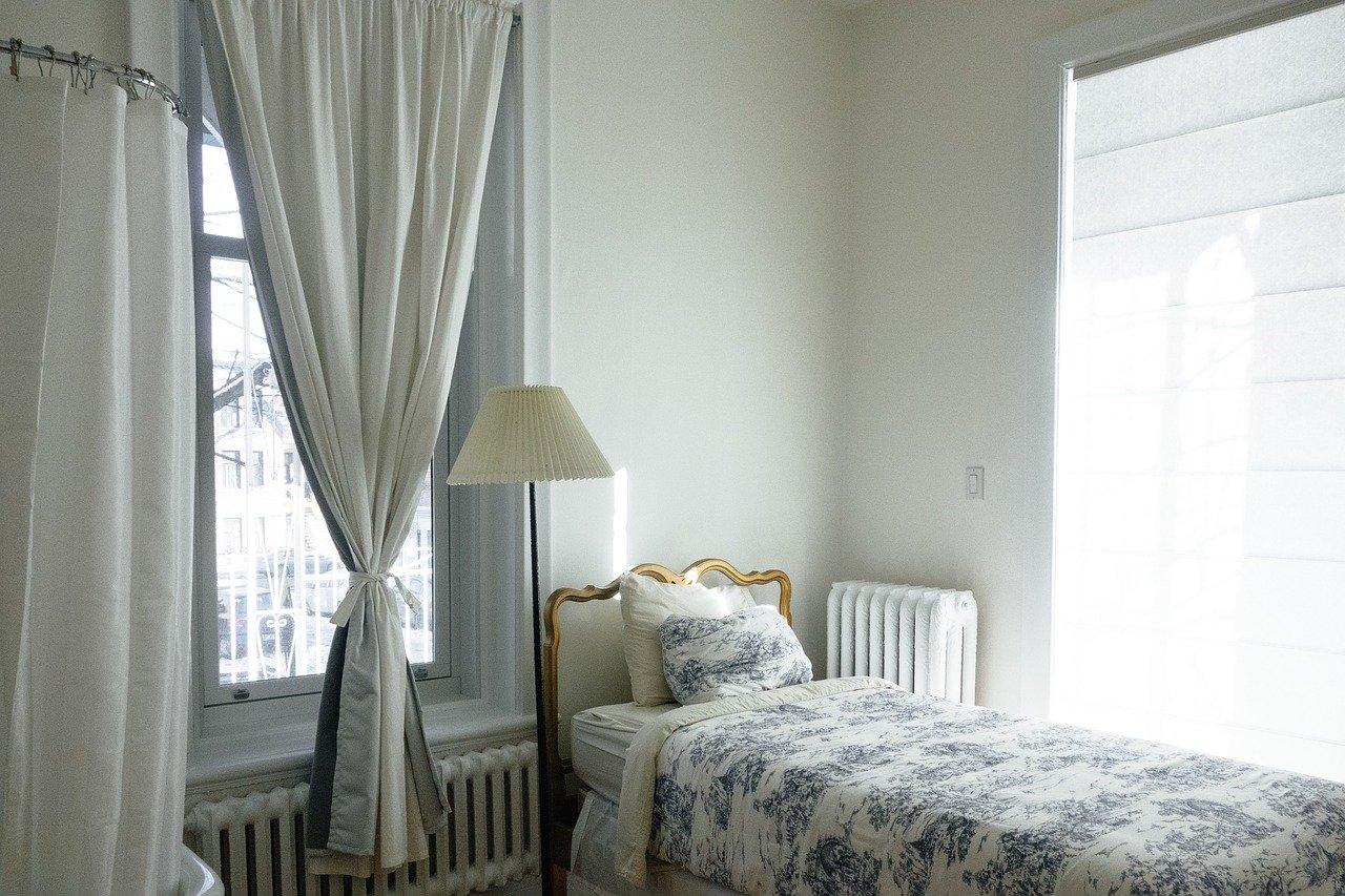 別々の部屋で寝るカップルの割合や意見とは?実は健康面でのメリットも?