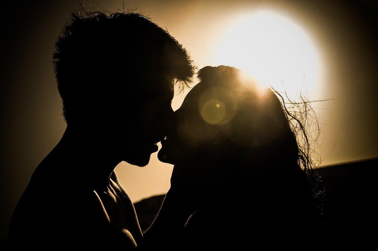 恋愛の押し引きって何!?追われる女性になる為の駆け引きテクニックを紹介