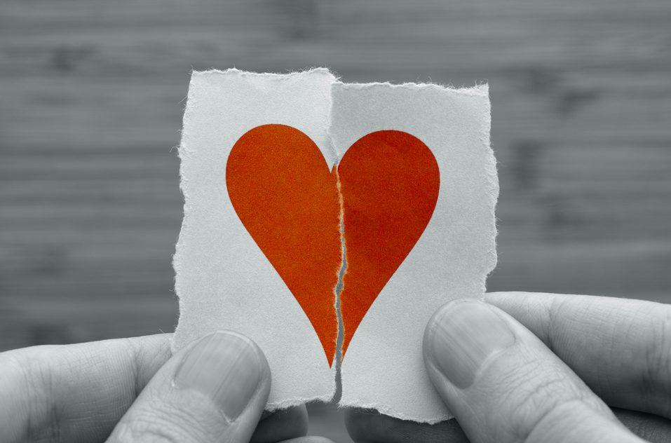 恋愛を楽に諦める方法を解説!最小限のダメージで次の恋に備える対策とは?