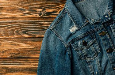 デニムジャケットとインナーの流行りの組み合わせ方を解説!人気のデニムジャケットブランドも選抜